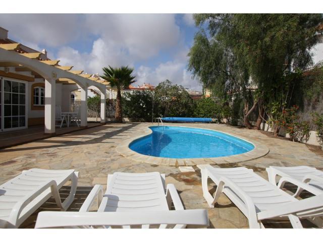 Pool and sun terrace - Villa Gomera, Caleta de Fuste, Fuerteventura